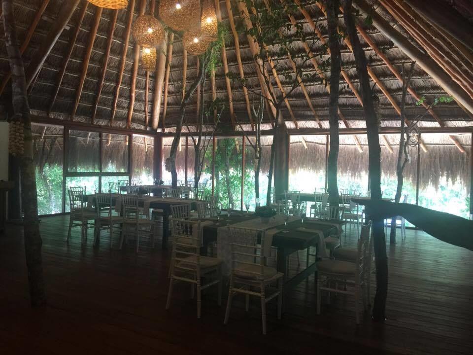 Salón Lobby Center con capacidad de hasta 80 personas