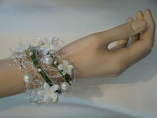 Beispiel: Blumenschmuck, Foto: Blütenreich.