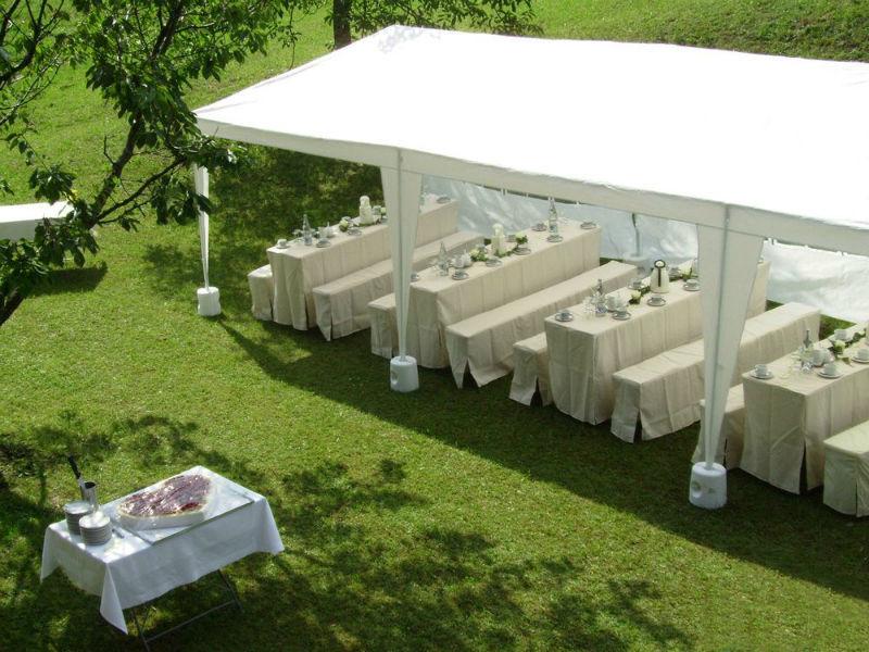 Beispiel: Pavillon draußen, Foto: Flair Hotel Berggasthof Adersberg.
