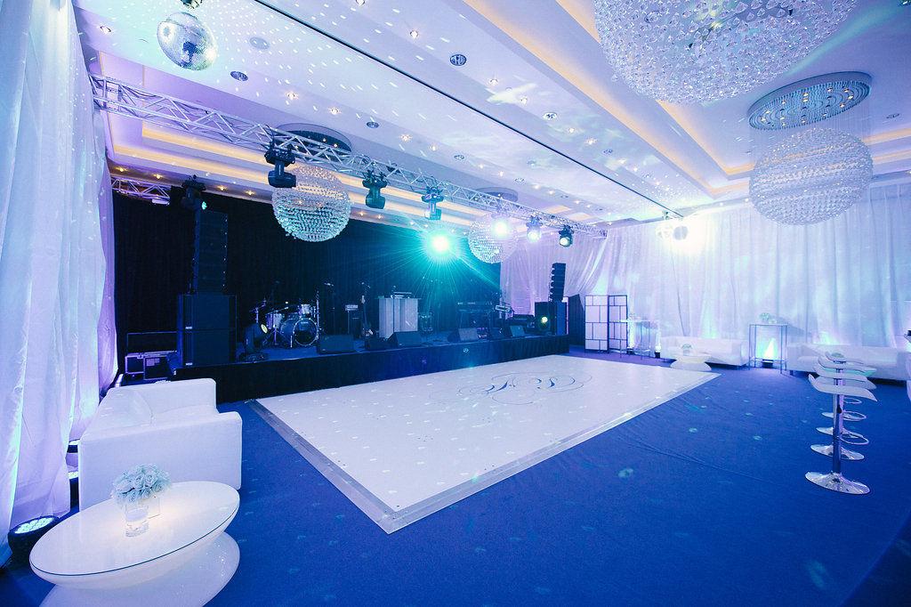 Vom Frühstücksraum zum Nightclub - wir verwandeln Räume! Foto: Claire Morgan
