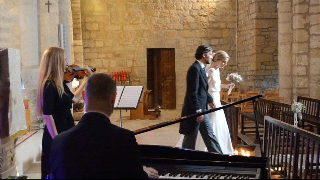 Ceremonia religiosa en el monasterio de Sant Miquel de Fluvià (Girona)