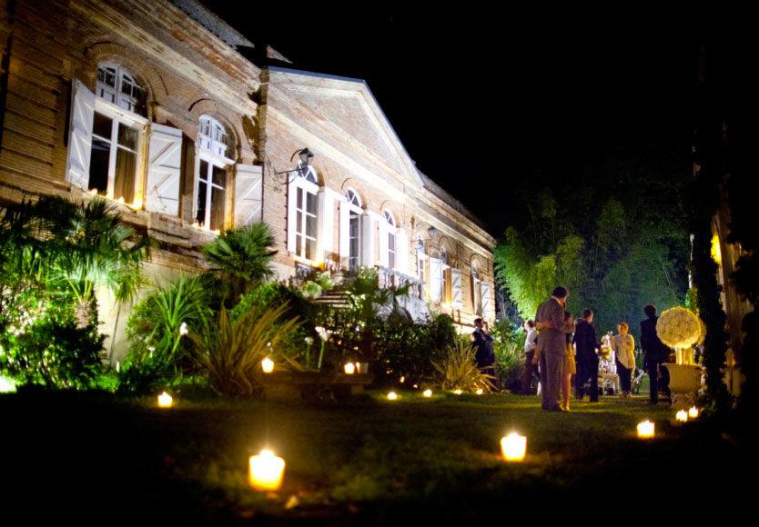 Good Moon - Jardin de la Propriété scintillant sous les bougies