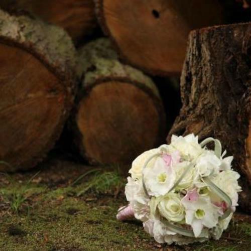 Beispiel: Brautstrauß, Foto: AZ- Floristik und Dekoration.