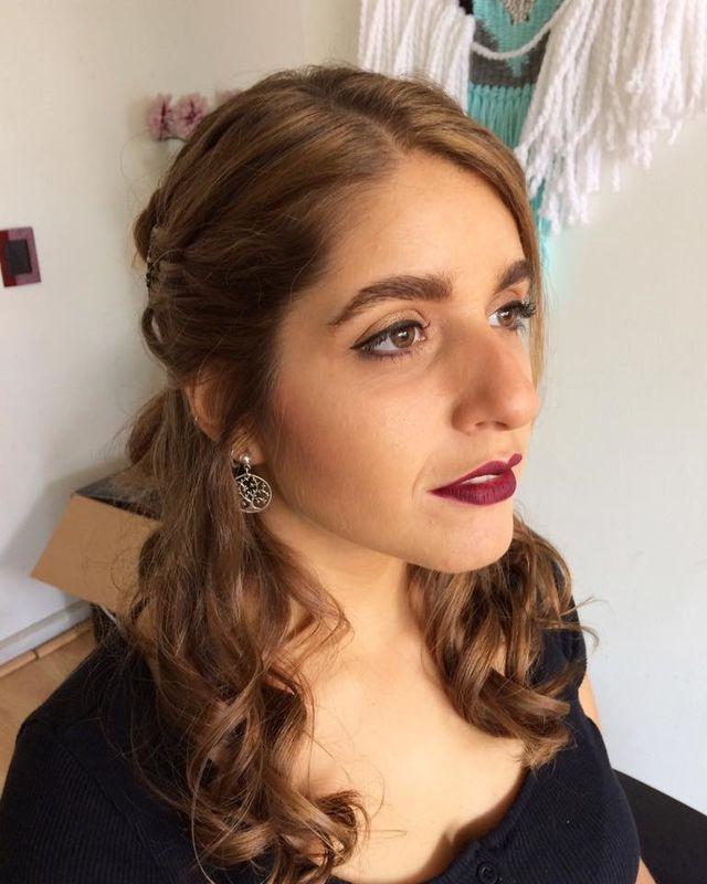 Sol Peinados y Maquillaje