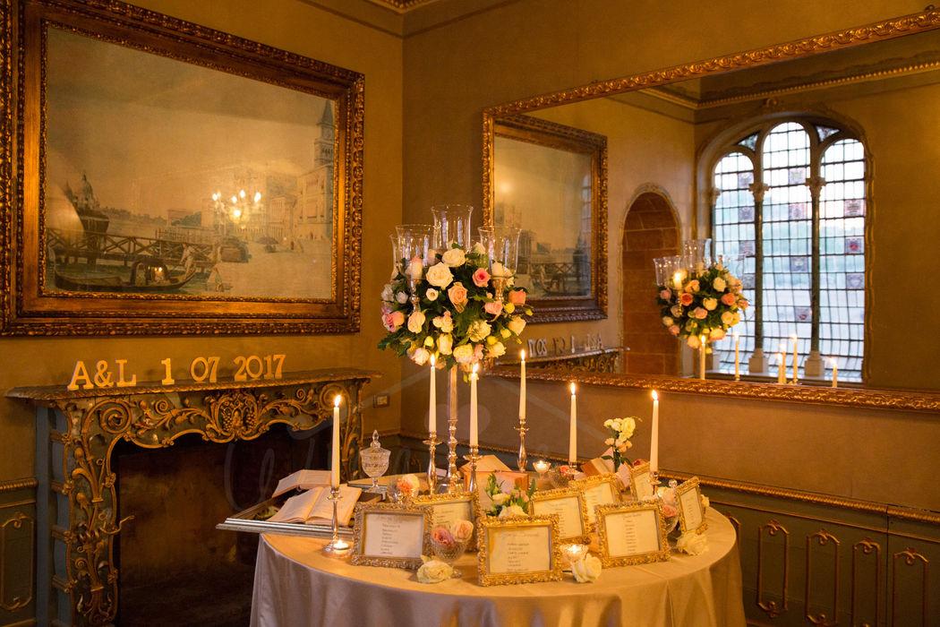 wedding house tableau