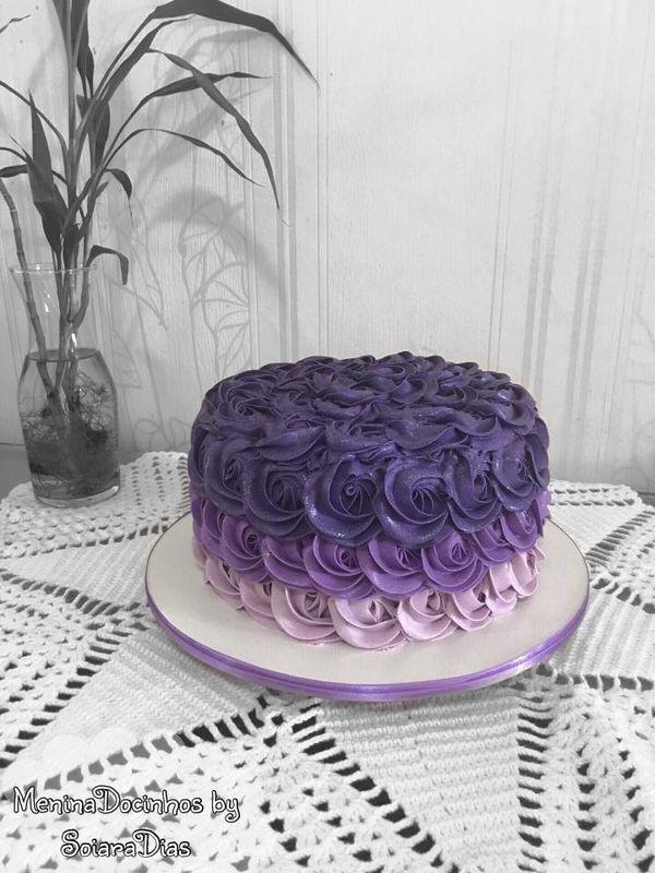 Menina Docinhos Cake Designer by Soiara Dias