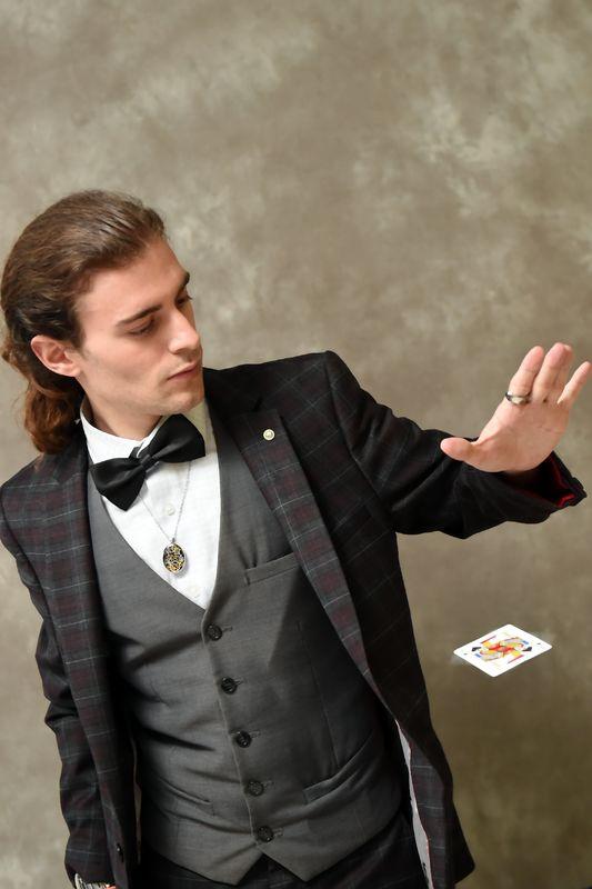 Lou illusionniste