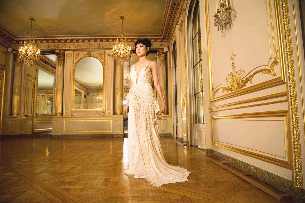Beaumenay Joannet Paris - à la Maison Champs Élysées, robe glamour, fluide et originale