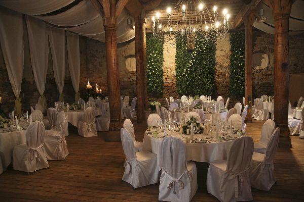 Beispiel: Hochzeitsgedeck, Foto: Schloss Heinsheim.