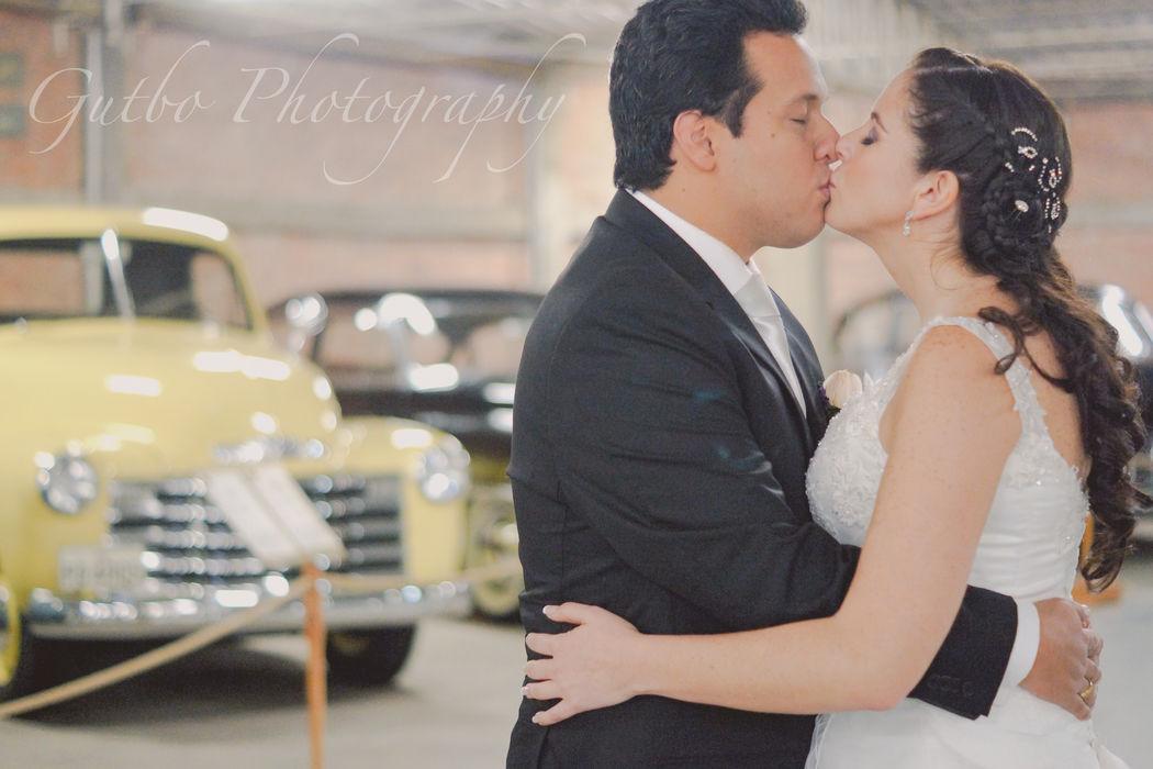 Matrimonio Vero y Kike Un beso