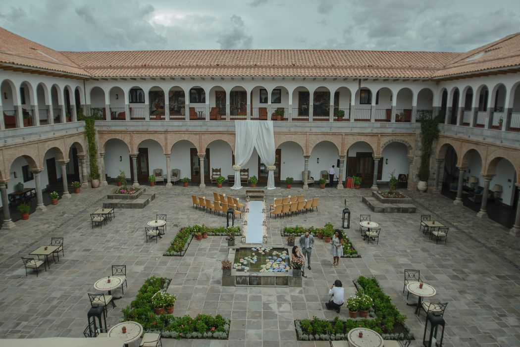 Foto Panorámica de Ceremonia Civil en el Patio