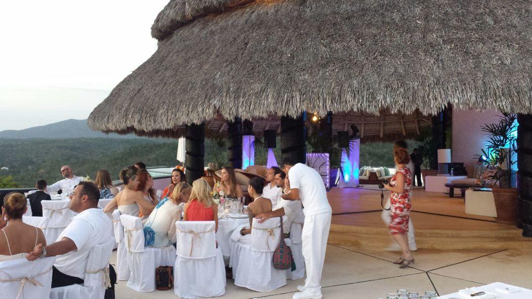WEDDING CAREYES