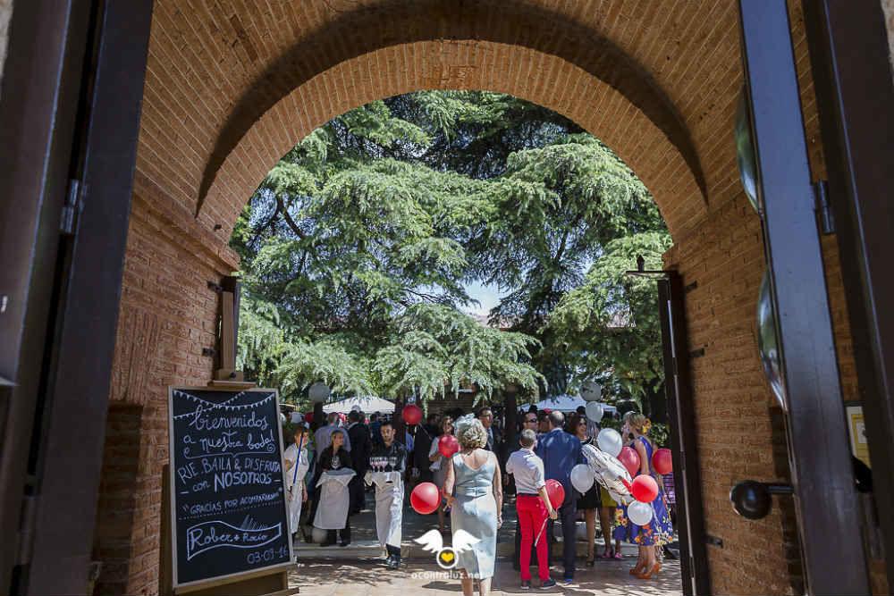 Entrada del Palacio de la Serna