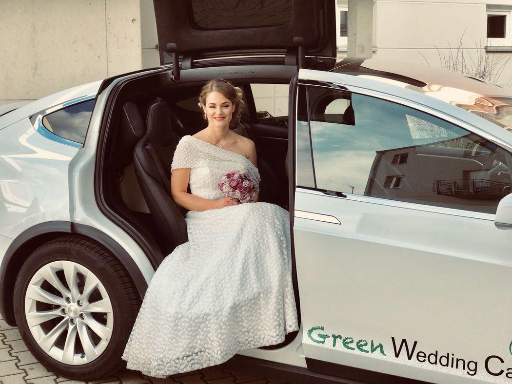 Green Wedding Car