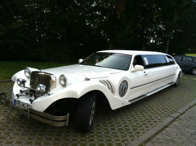 Beispiel: Hochzeitslimousine Excalibur Stretch, Foto: FUN-LIMOS Limousinenservice & Chauffeurdienst.