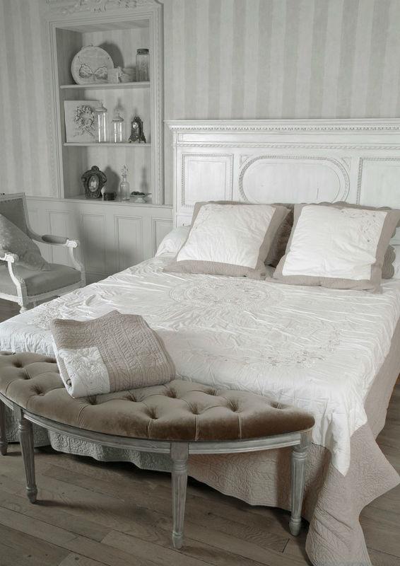 Une chambre décorée