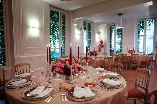 La Cour du Marais :  crédits photos: art de la Table JFC Style Heritage Designer