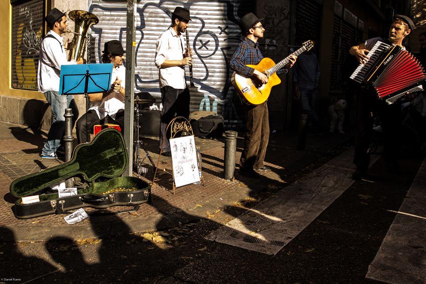 Jingle Django en el Rastro de Madrid