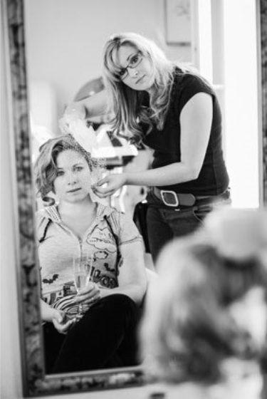 Beispiel: Make-up und Frisur, Foto: Derby Intercoiffure.