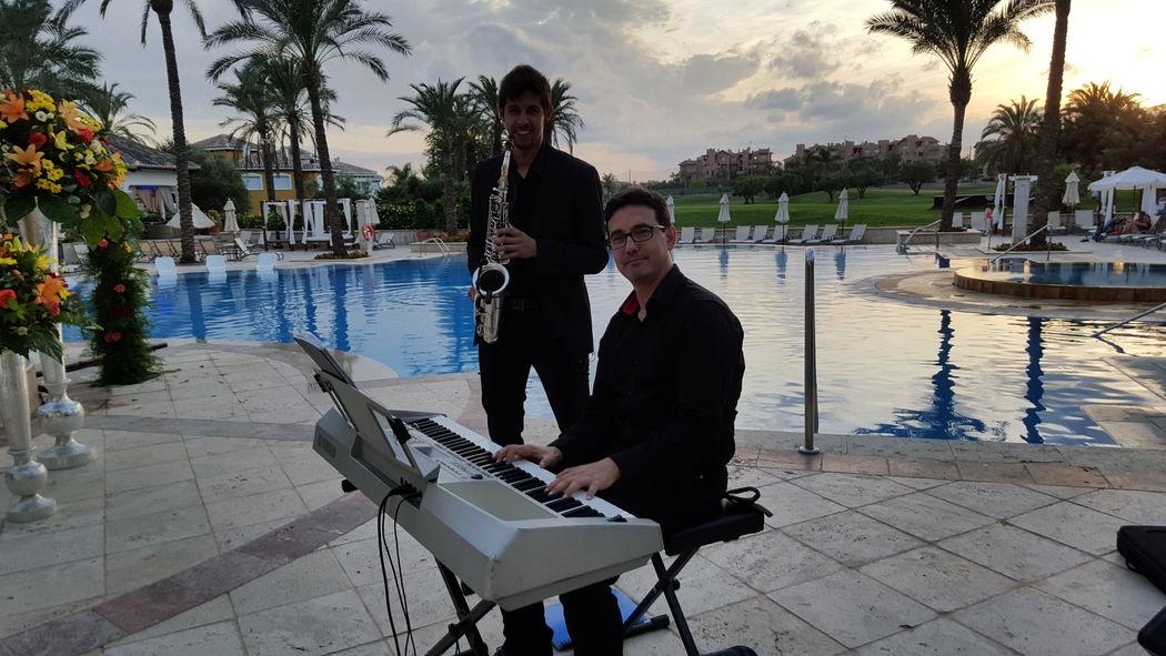Piano y saxo