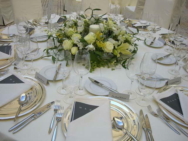 Beispiel: Dekoration der Festtagstafel, Foto: Bellas Hochzeitsservice.