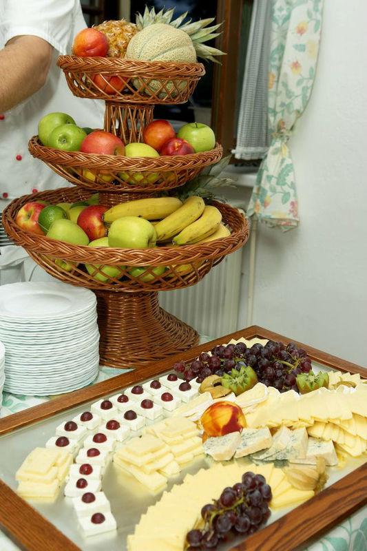 Beispiel: Buffet, Foto: Seecafe Restaurant Spitzvilla.