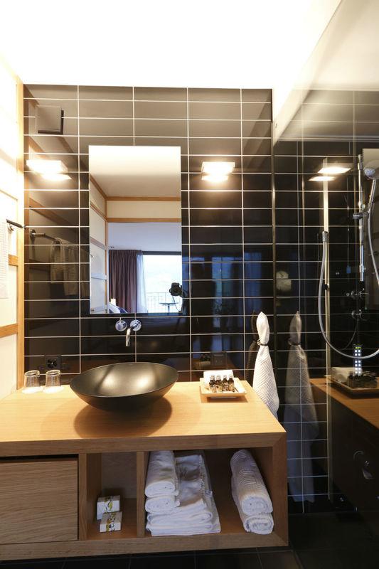 Beispiel: Badezimmer, Foto: Seehotel Wilerbad.