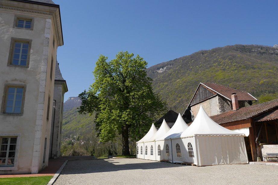 La cour du Château et l'accès au parc