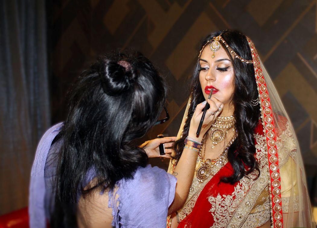 Quando fazes 36 horas de viagem, para maquilhar uma noiva para o seu dia mais importante na India e regressas com 4 dias do melhor casamento alguma vez visto ! Parabens Jalpa!