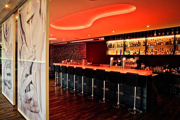 Beispiel: Bar- und Loungebereich, Foto: Moods Bar & Restaurant.