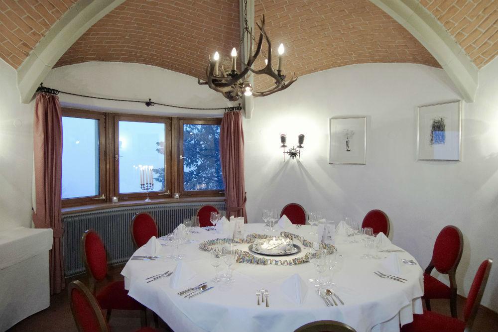 Beispiel: Tisch im Turmzimmer, Foto: Burgrestaurant Gebhardsberg.