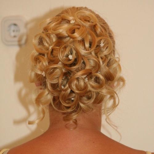 Beispiel: Die Frisur für Ihren schönsten Tag, Foto: Beautypoint.