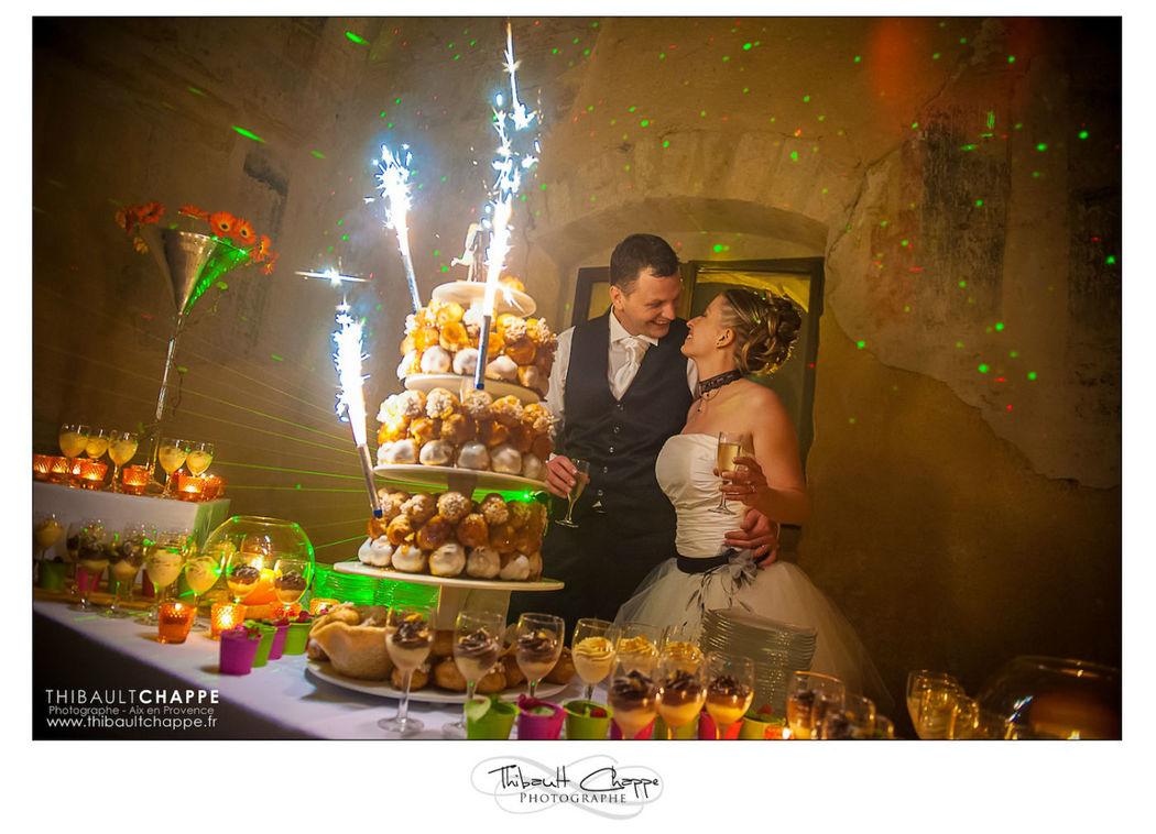 Pièce montée lors d'une soirée de mariage à la chapelle de Saint Bacchi (Jouques)