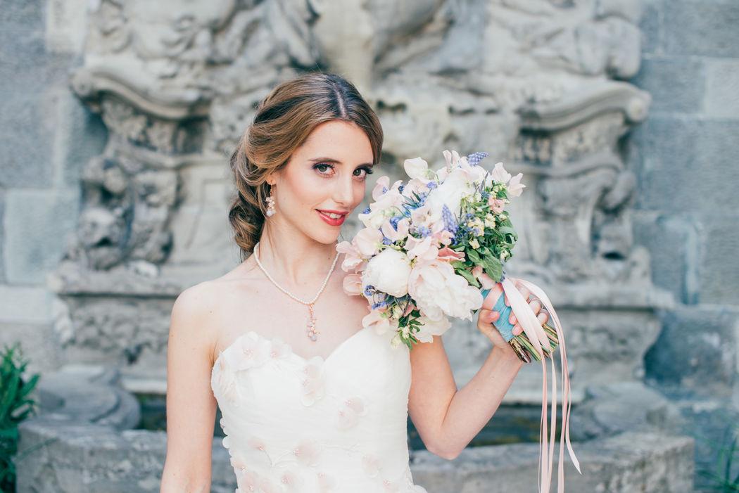 Der Perfekte Look! Abgestimmt mit Brautkleid, Strauss und Schmuck! www.miraclebeauty.ch