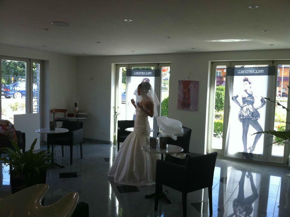 Beispiel: Make-up und Frisur für die Braut, Foto: Centre Beaute.