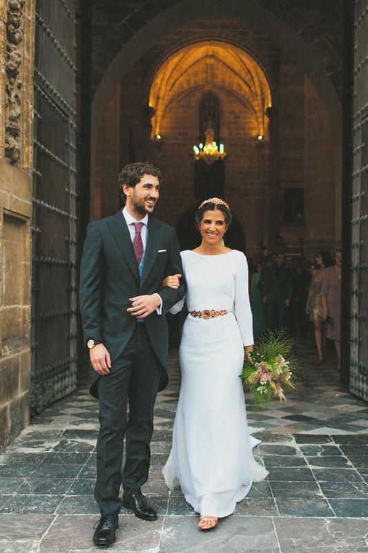 Vestidos 100% personalizados con accesorios de latón al gusto de cada una de nuestras novias!