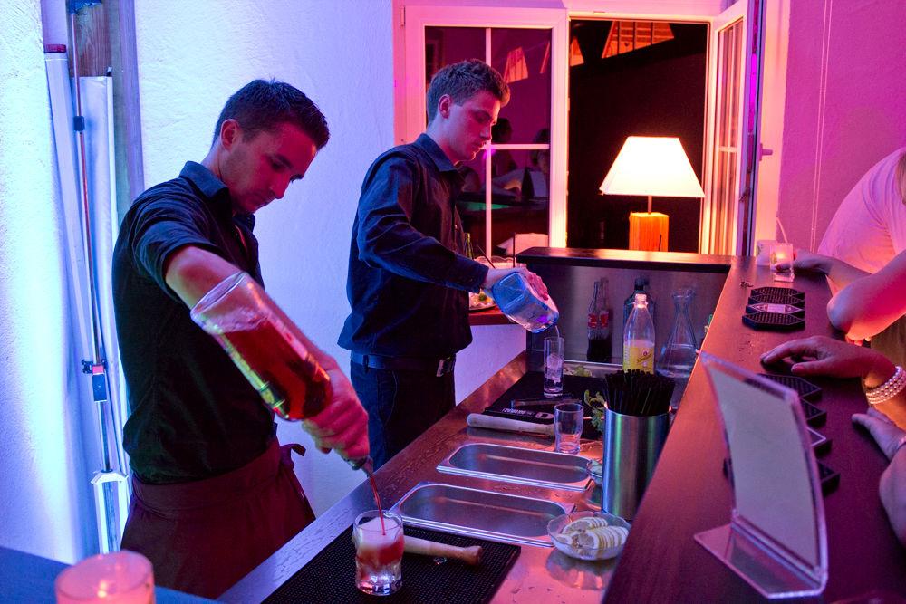 Unser Mobile Cocktailbar ist nahzu auf dem ganzen Gelände einsetzbar.
