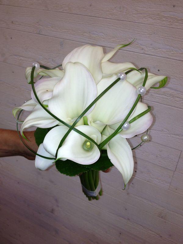 Bouquet de mariée callas blancs