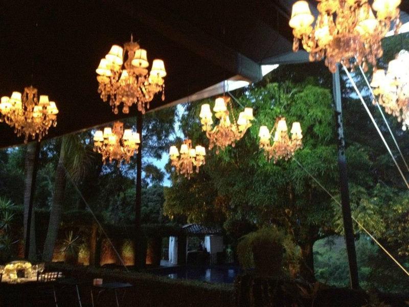 Iluminación y todo lo mejor para el banquete de tu boda - Foto Cassatt