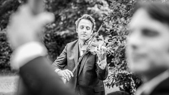 Jeremie violoniste jazz mariage http://www.jazz-manouche.clementreboul.com/
