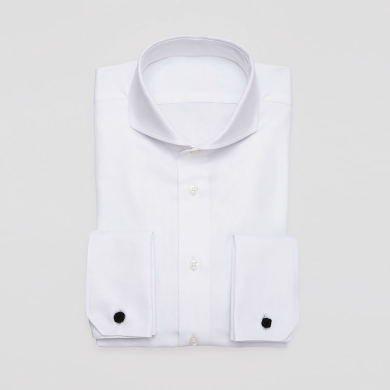 Beispiel: Herrenhemd in klassisch Weiß, Foto: Xuits.
