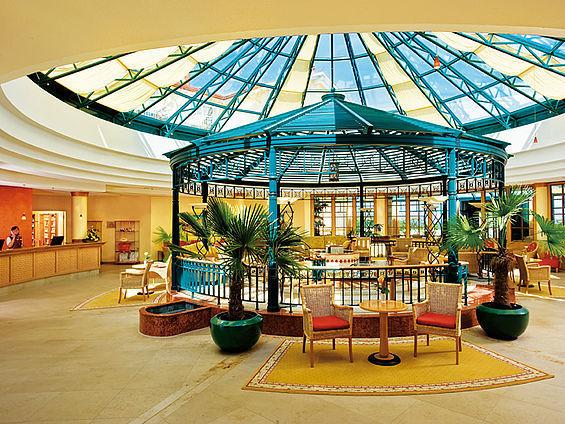 Beispiel: Lobby, Foto: Travel Charme Ostseehotel Kühlungsborn.