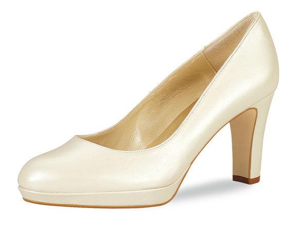 Beispiel: Der perfekte Schuh, Foto: Oprée Brautmoden Accessoires.