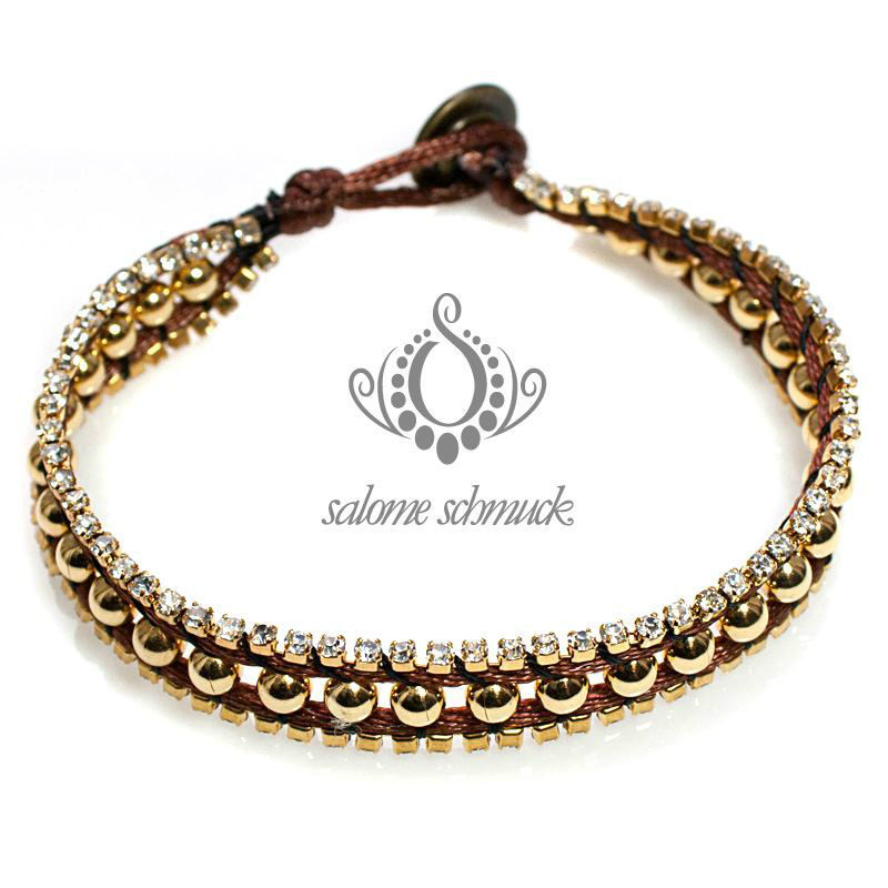 Beispiel: Armbänder, Foto: Salome Schmuck.