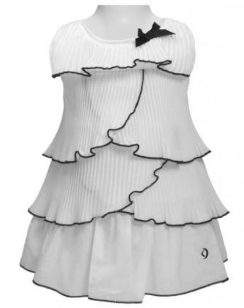 Beispiel: Individuelle Kinderkleider, Foto: tausendkind.