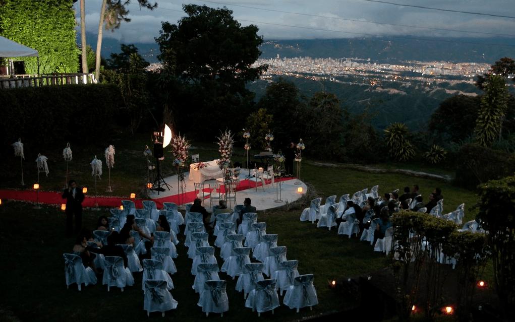 Exterior, especial para celebracion de ceremonias.