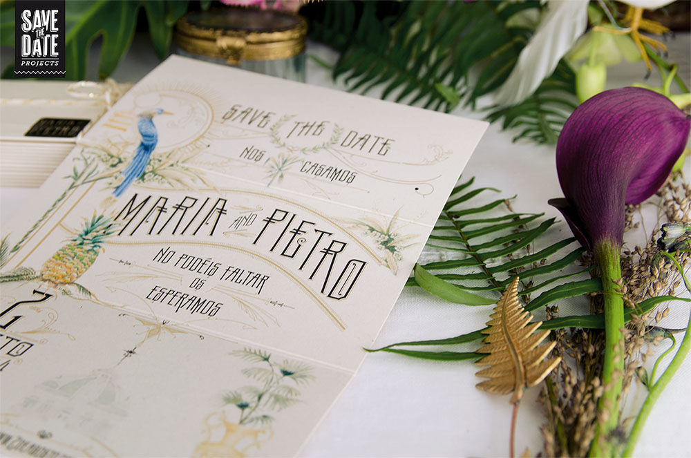 Save the date de la papelería de boda personalizada estilo vintage y con dibujos en acuarela. Del save the date a la web de boda, todo con el mismo estilo y temática.
