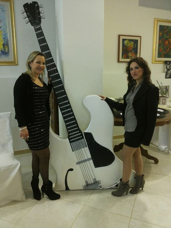chitarra gigante
