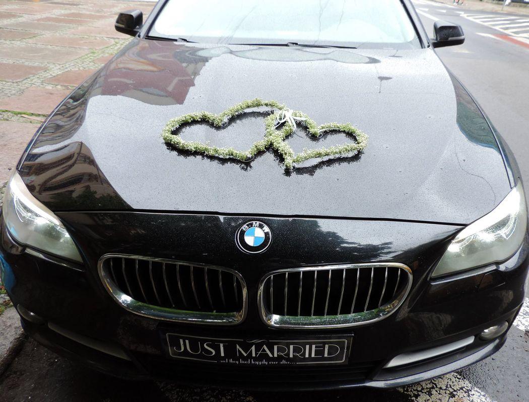 Dekoracja samochodu Pary Młodej