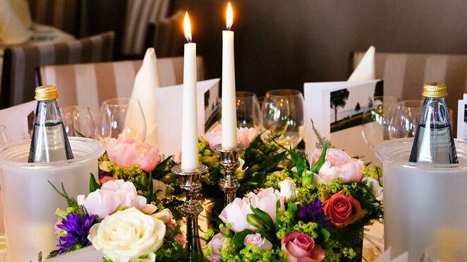 Beispiel: Tischdekoration, Foto: Hotel Seehof Sierksdorf.